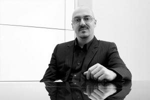 Designer Zucchi Arredamenti Milano - Roberto Paoli