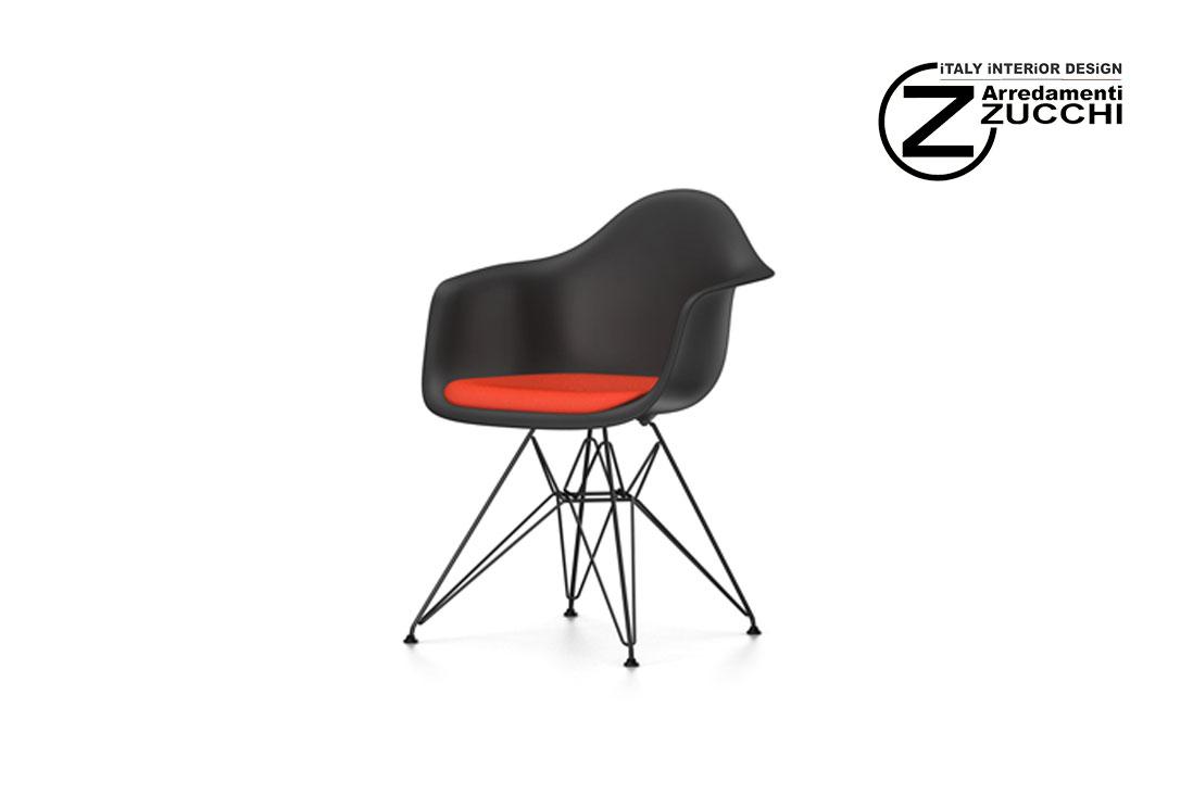 Eames plastic armchair dar vitra italy interior design for Sedie design vitra