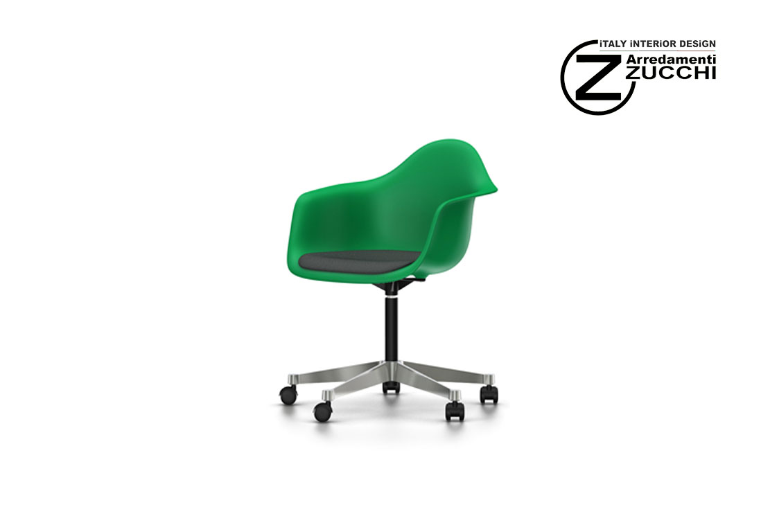 Eames plastic armchair pacc vitra italy interior design for Sedie design vitra