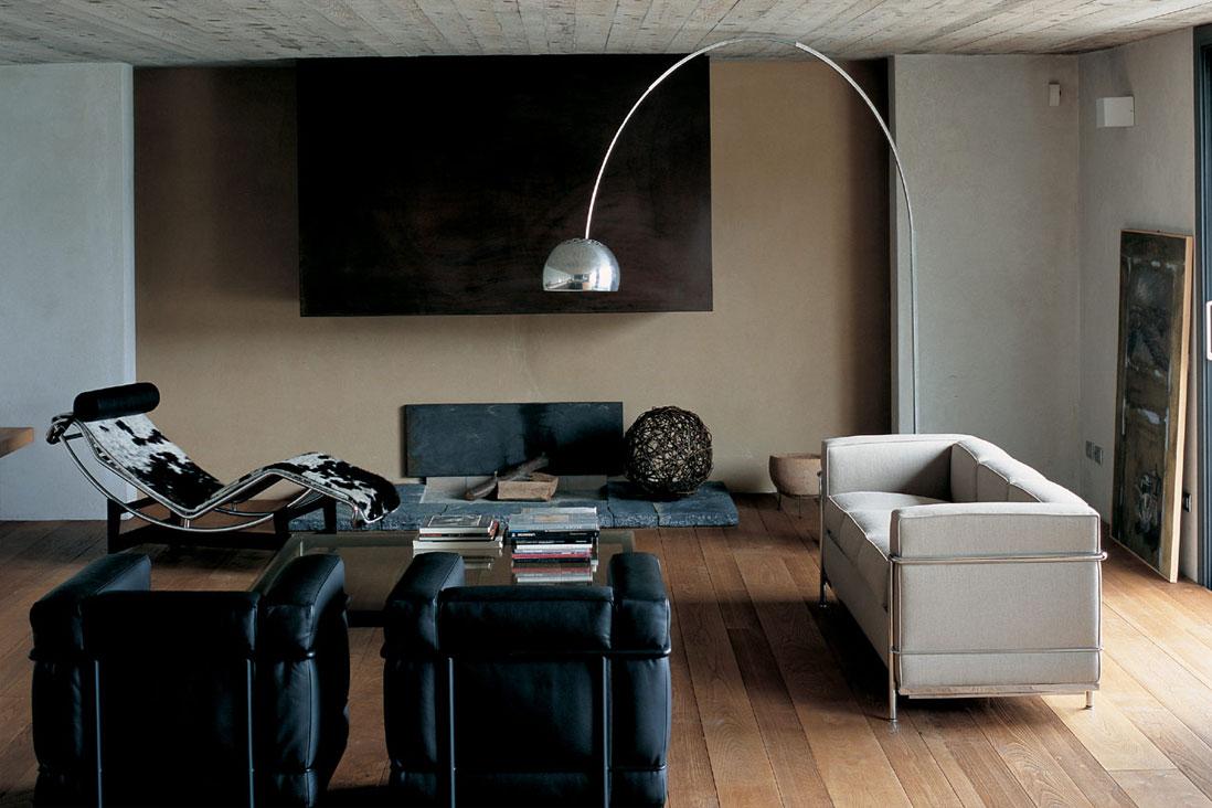 Lc2 cassina italy interior design for Le corbusier mobili