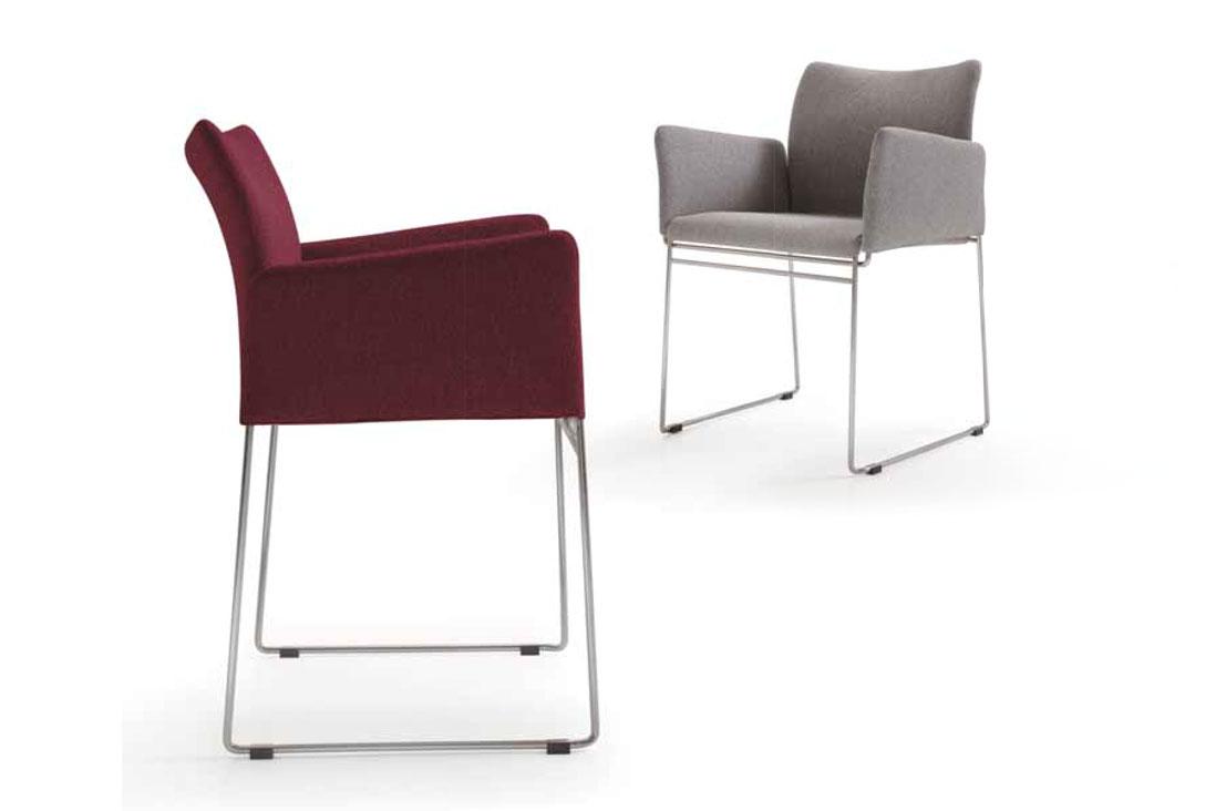 Ljin lg cassina italy interior design for Rivenditori sedie