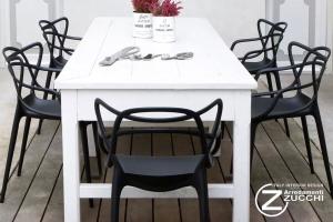 Negozio kartell milano zucchi arredamenti for Sedie design outlet milano